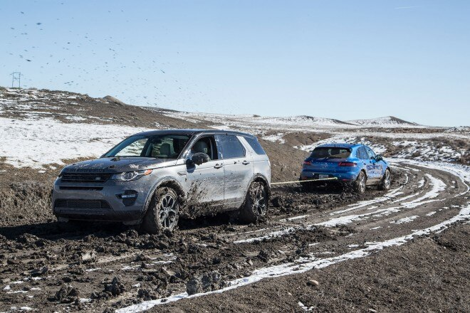 2016 Land Rover Discovery Sport HSE Luxury in mud 15