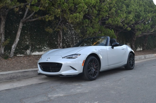 2016 Mazda MX 5 Club 4S front three quarters 7