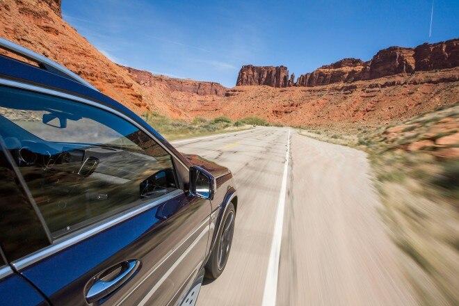2017 Mercedes AMG GLS63 wheel in motion 02