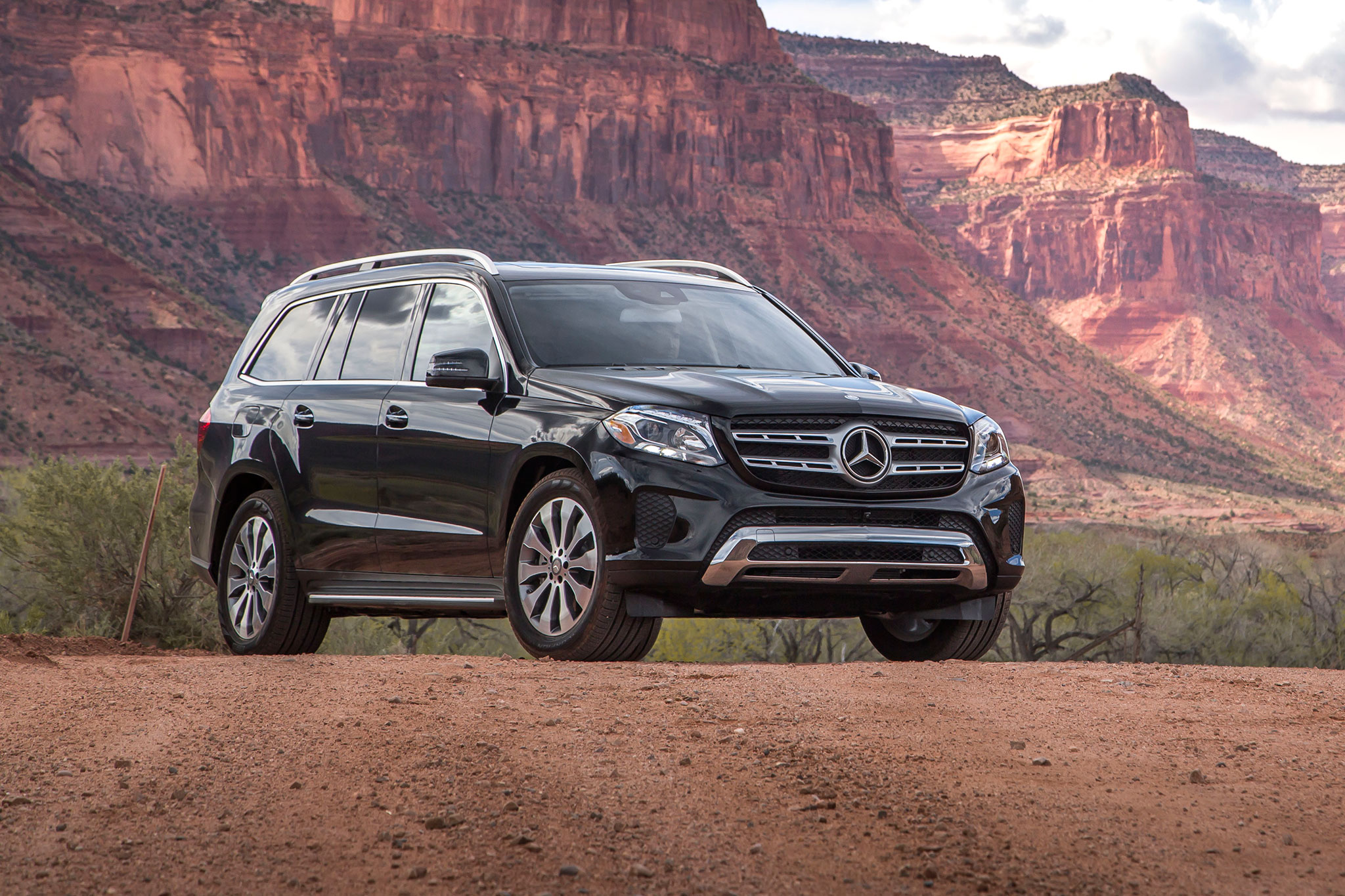 2017 Mercedes Benz Gls450 4matic >> 2017 Mercedes-Benz GLS-Class Review