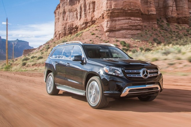 2017 Mercedes Benz GLS450 4Matic front three quarter in motion 03