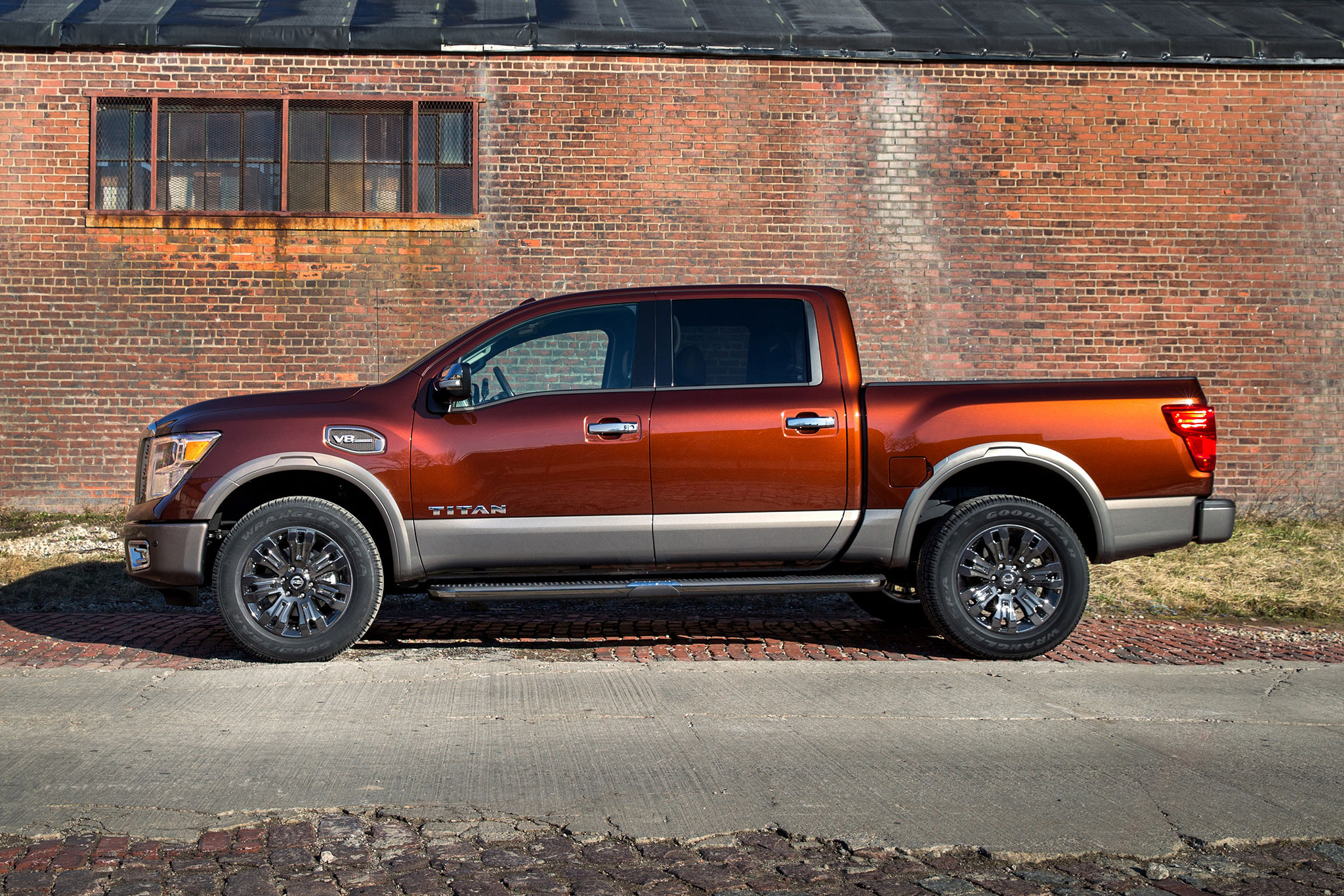 2017 nissan titan v-8 crew cab first drive road test and review