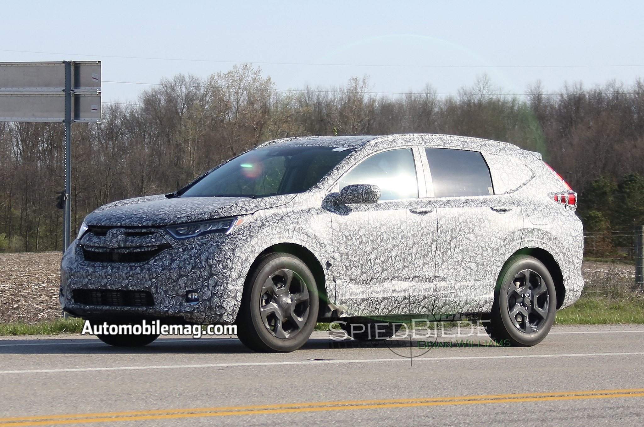 2018 Honda CR V Spyshot Front Three Quarters 3