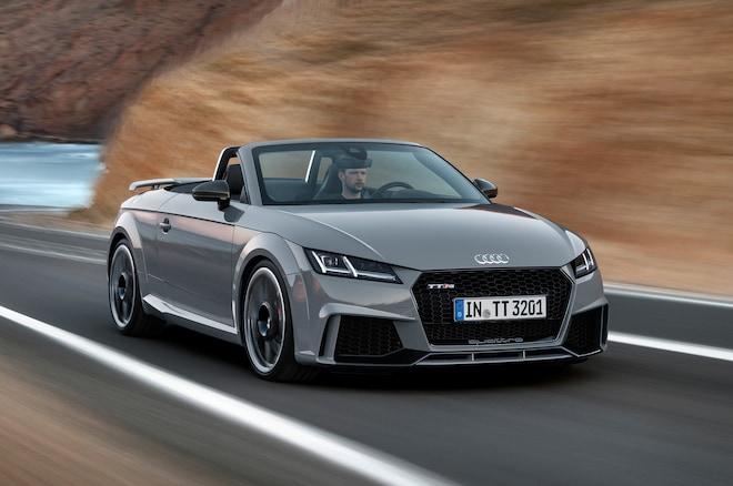 Audi TT RS Convertible Front Three Quarter Motion