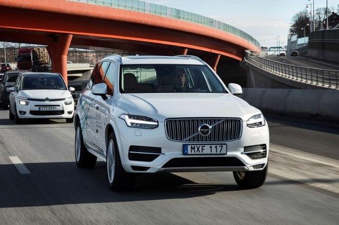 Volvo XC90 Drive Me autonomous prototype in traffic