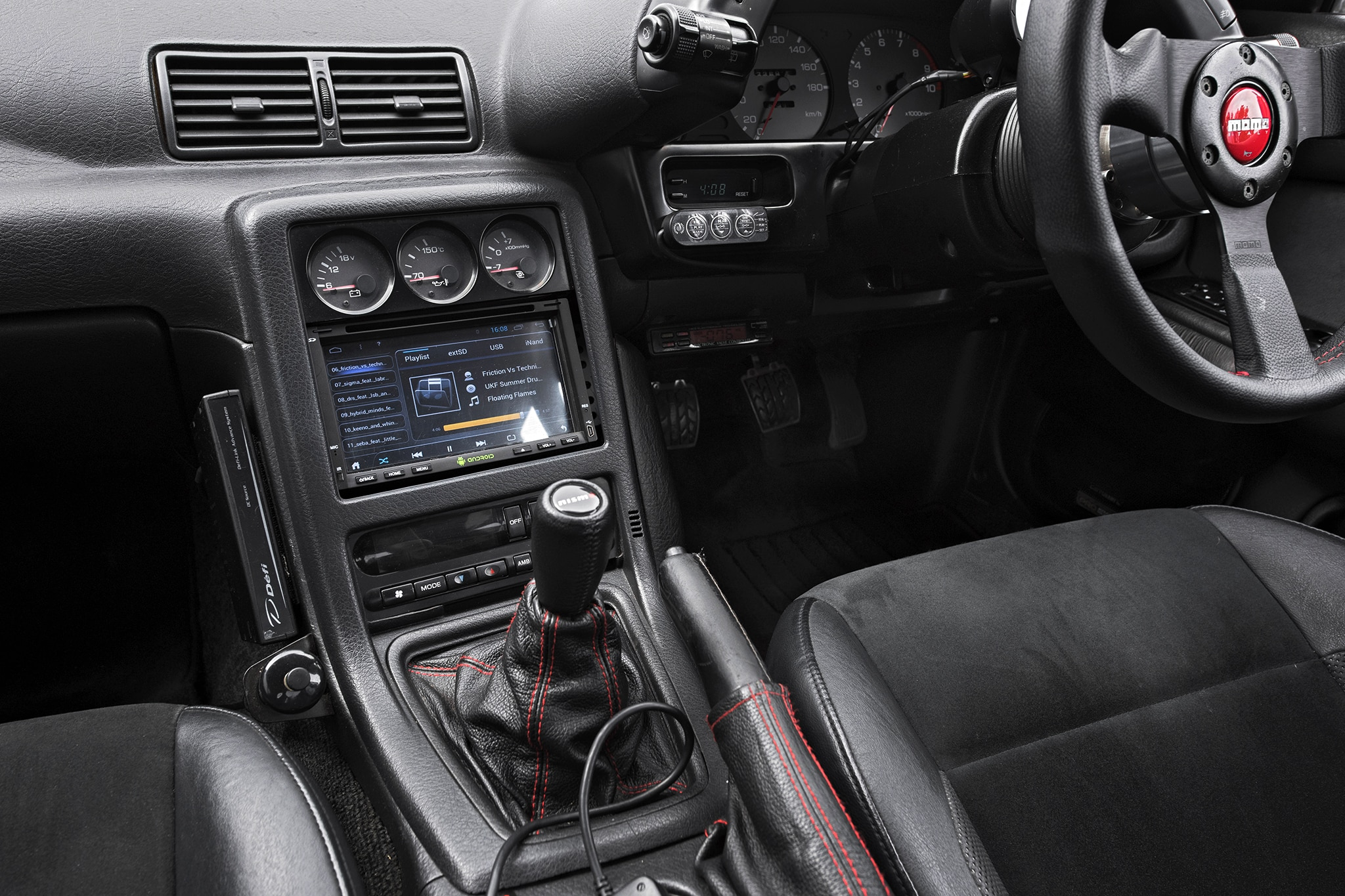 Nissan Skyline Gt R Center Stack And Shifter