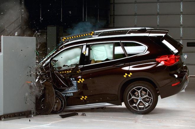 2016 BMW X1 IIHS Testing Front End Crash