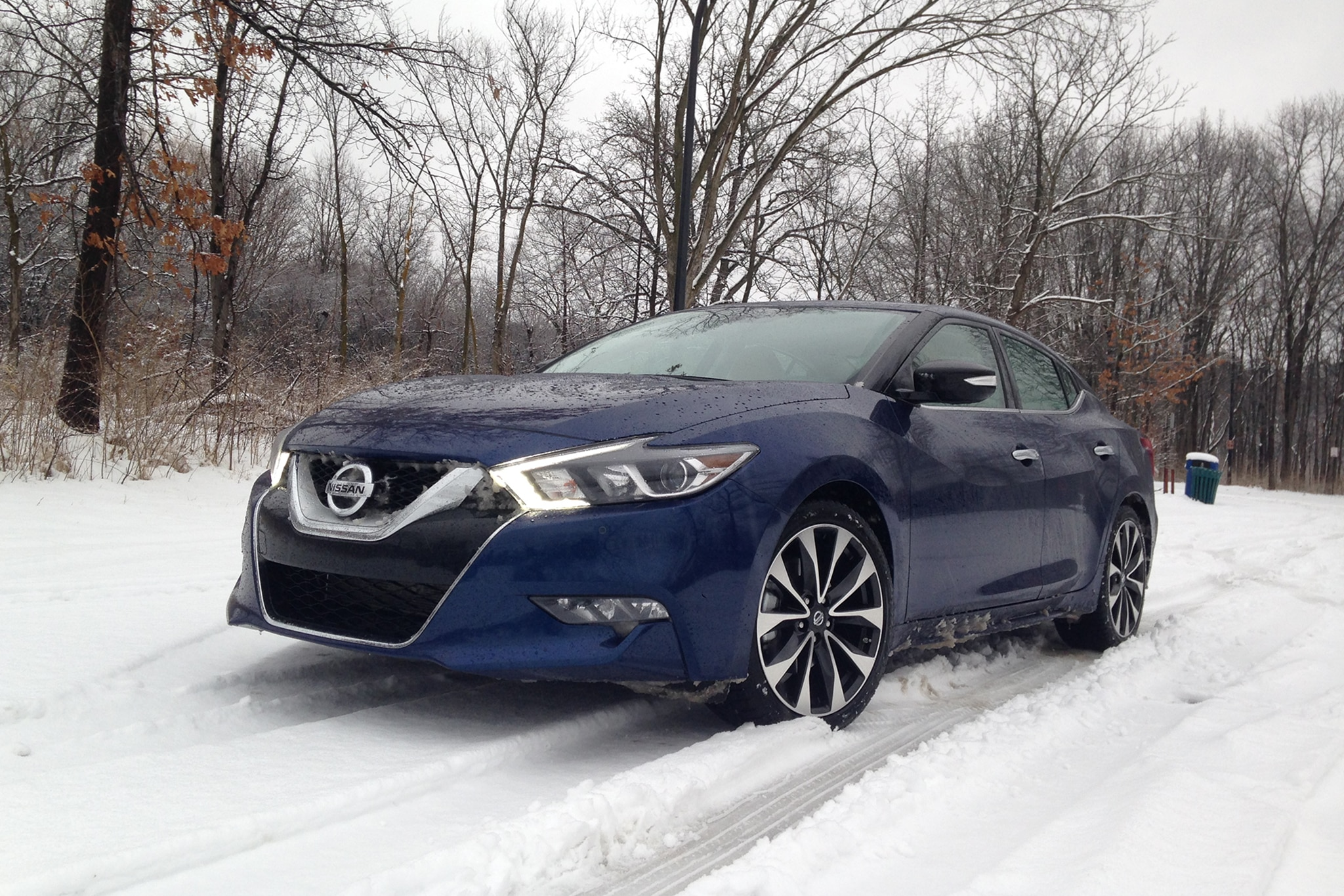 2016 nissan maxima sr a boulevard cruiser that eats up miles. Black Bedroom Furniture Sets. Home Design Ideas