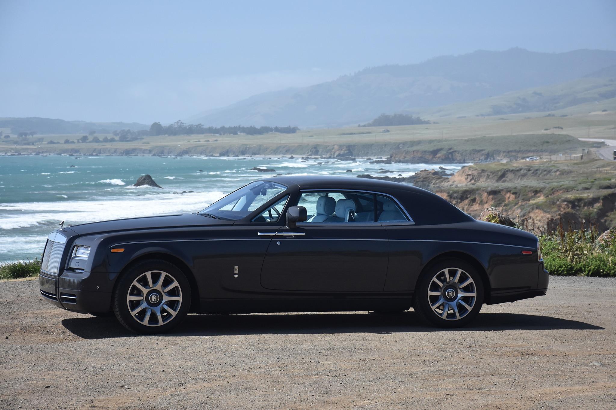 2016 Rolls Royce Phantom Coupe Front Three Quarter 03