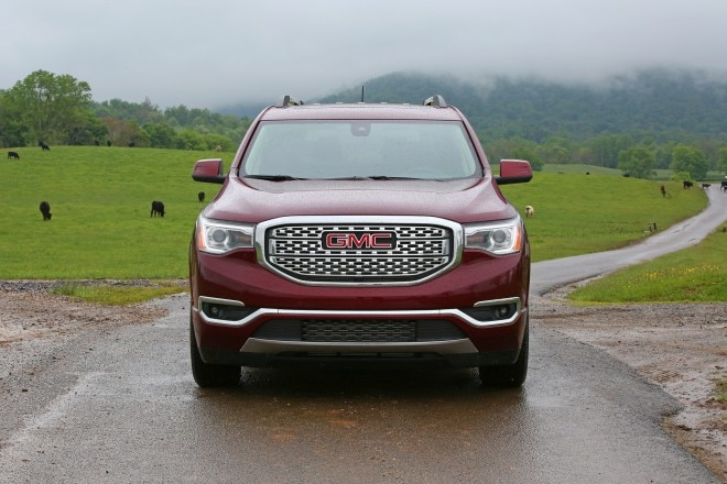 2017 GMC Acadia front end 02