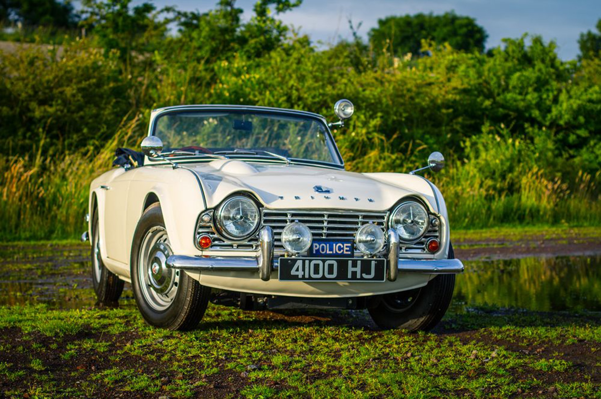 This Police-Spec 1962 Triumph TR4 is the Coolest Pursuit