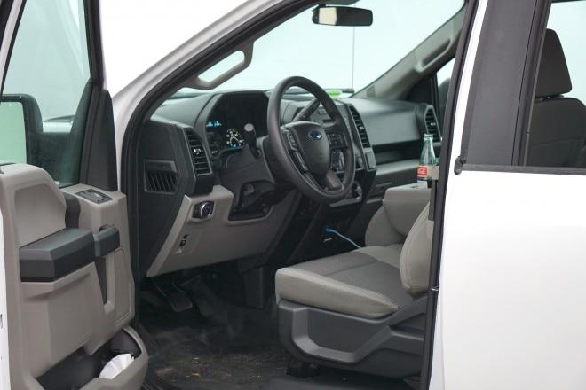 2016 Ford F 150 XL cabin
