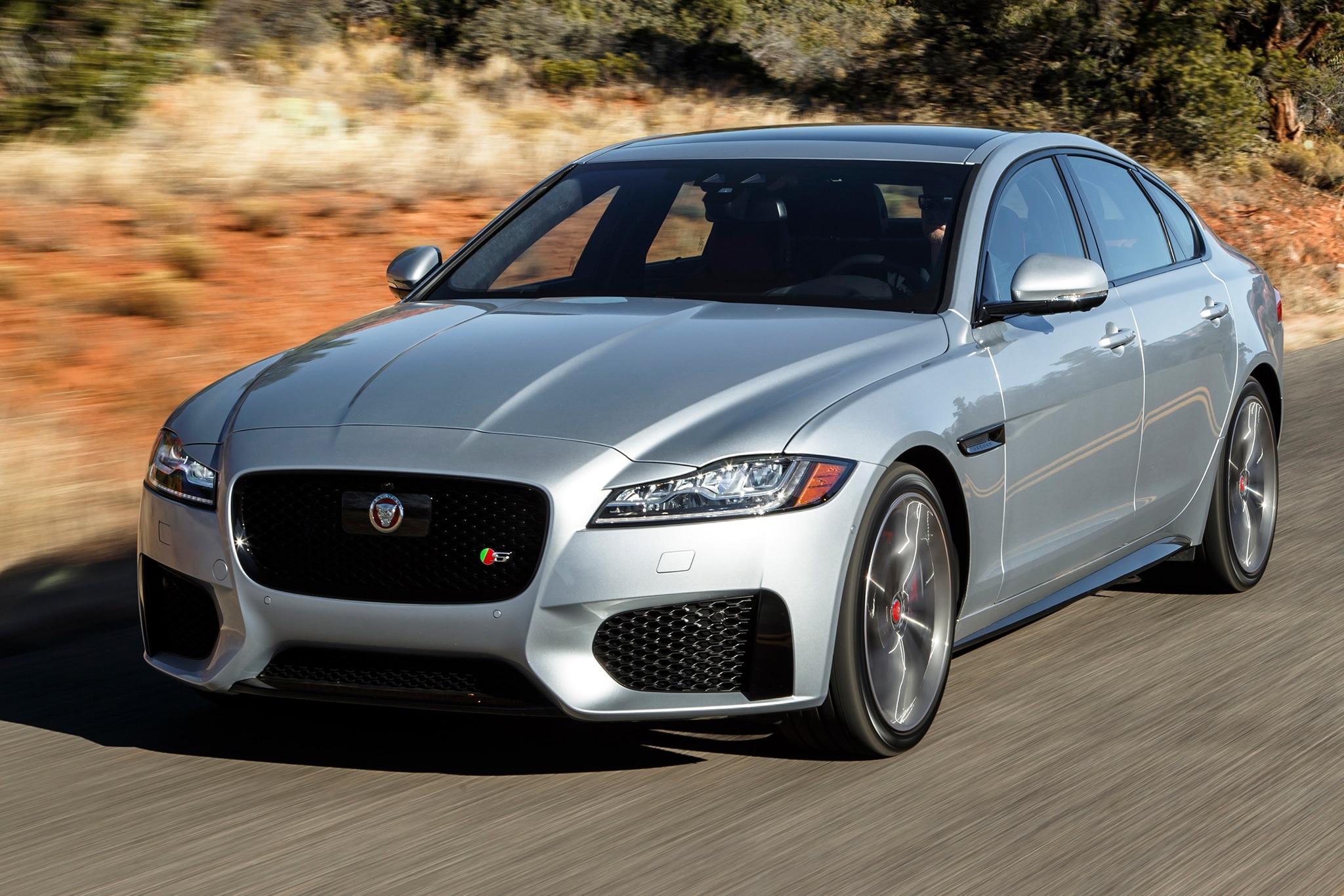 2016 Jaguar XF S front three quarter in motion 16 - Automobile