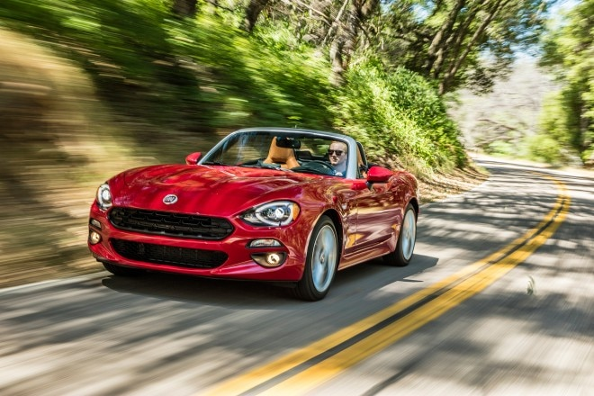 2017 Fiat 124 Spider Lusso front three quarter in motion 04