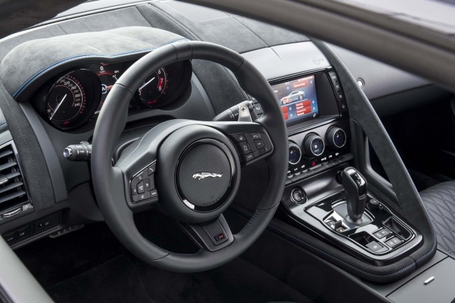 2017 Jaguar F Type SVR coupe steering wheel 1