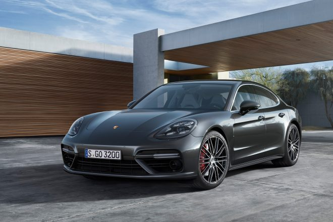 2017 Porsche Panamera Turbo front three quarter 01