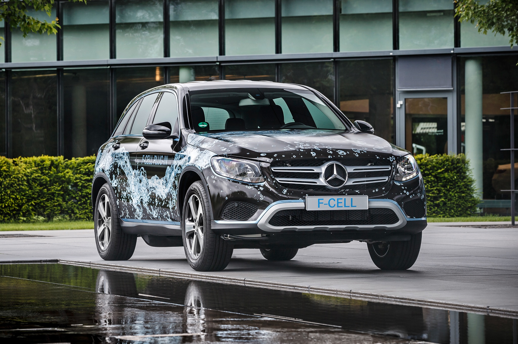 Mercedes Benz GLC F Cell Front
