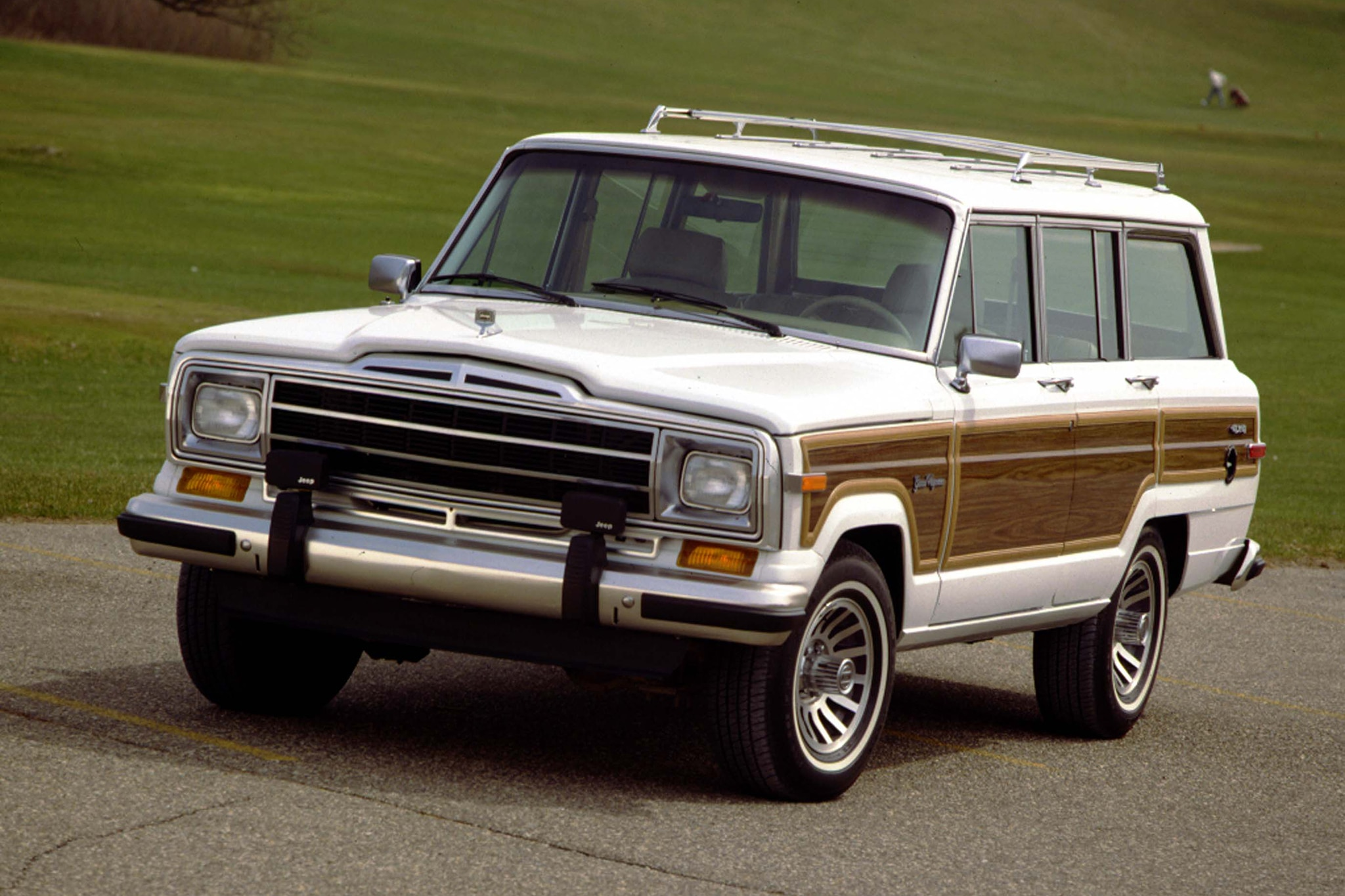 Jeep Grand Wagoneer Could Cost Up to $140 000 Report