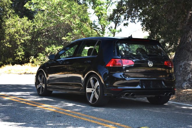 2015 Volkswagen Golf R rear three quarter 01