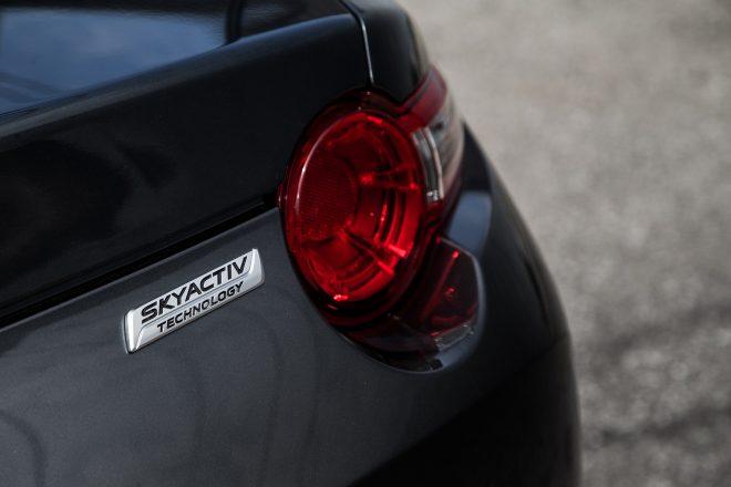 2016 Mazda MX 5 Miata Grand Touring badge 03