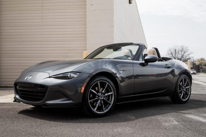 https://st.automobilemag.com/uploads/sites/11/2016/07/2016-Mazda-MX-5-Miata-Grand-Touring-front-three-quarter-04-660x440.jpg