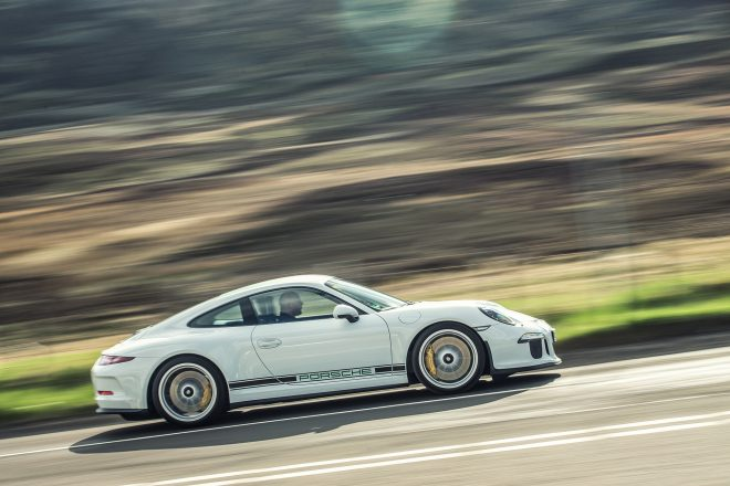 2016 Porsche 911 R side profile in motion 05