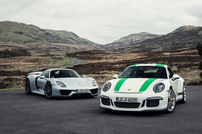 2016 Porsche 911 R vs Porsche 918 Spyder 20