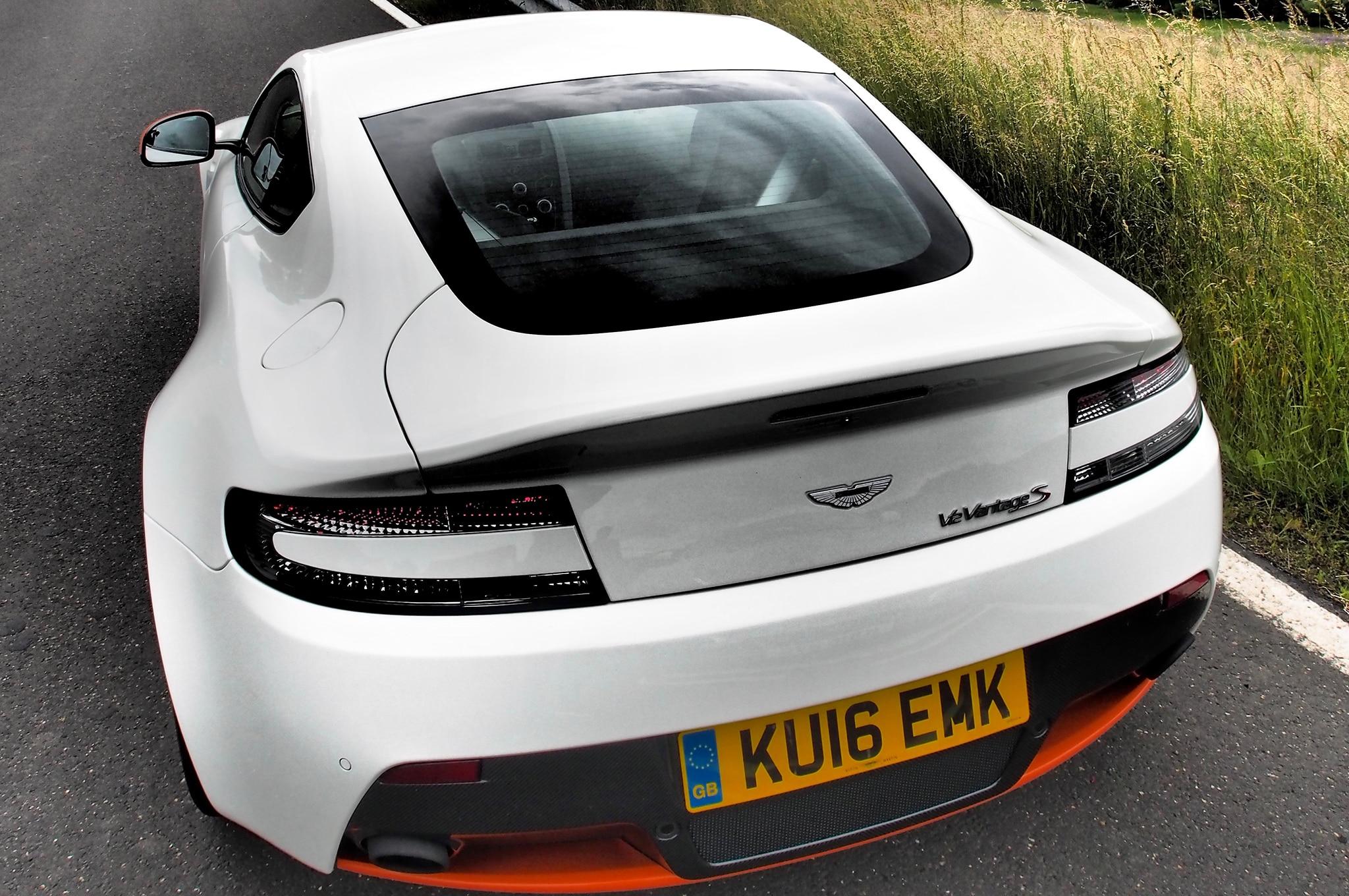 2016 Aston Martin V12 Vantage S e Week Review