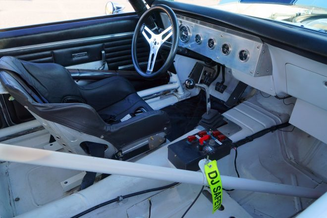 1968 Chevrolet Camaro Trans Am Racer cabin