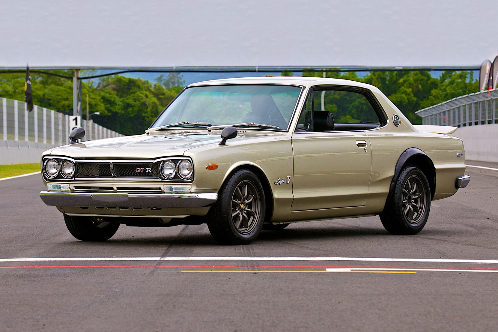 1972 Nissan Skyline GT R Gooding And Co Front Three Quarter