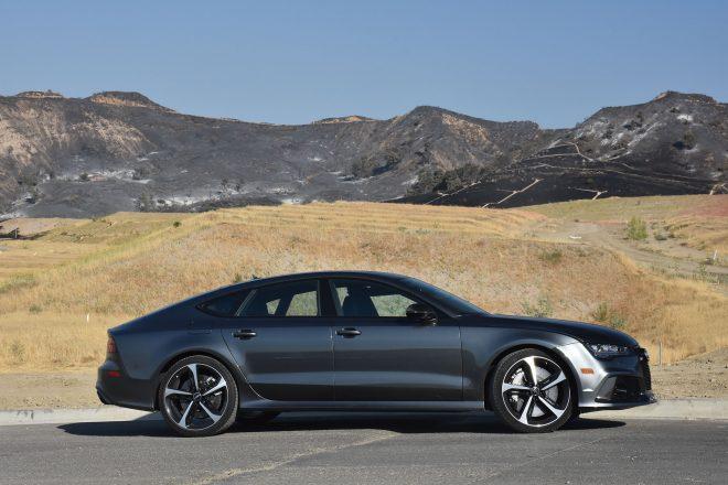 2016 Audi RS7 Performance side profile 01