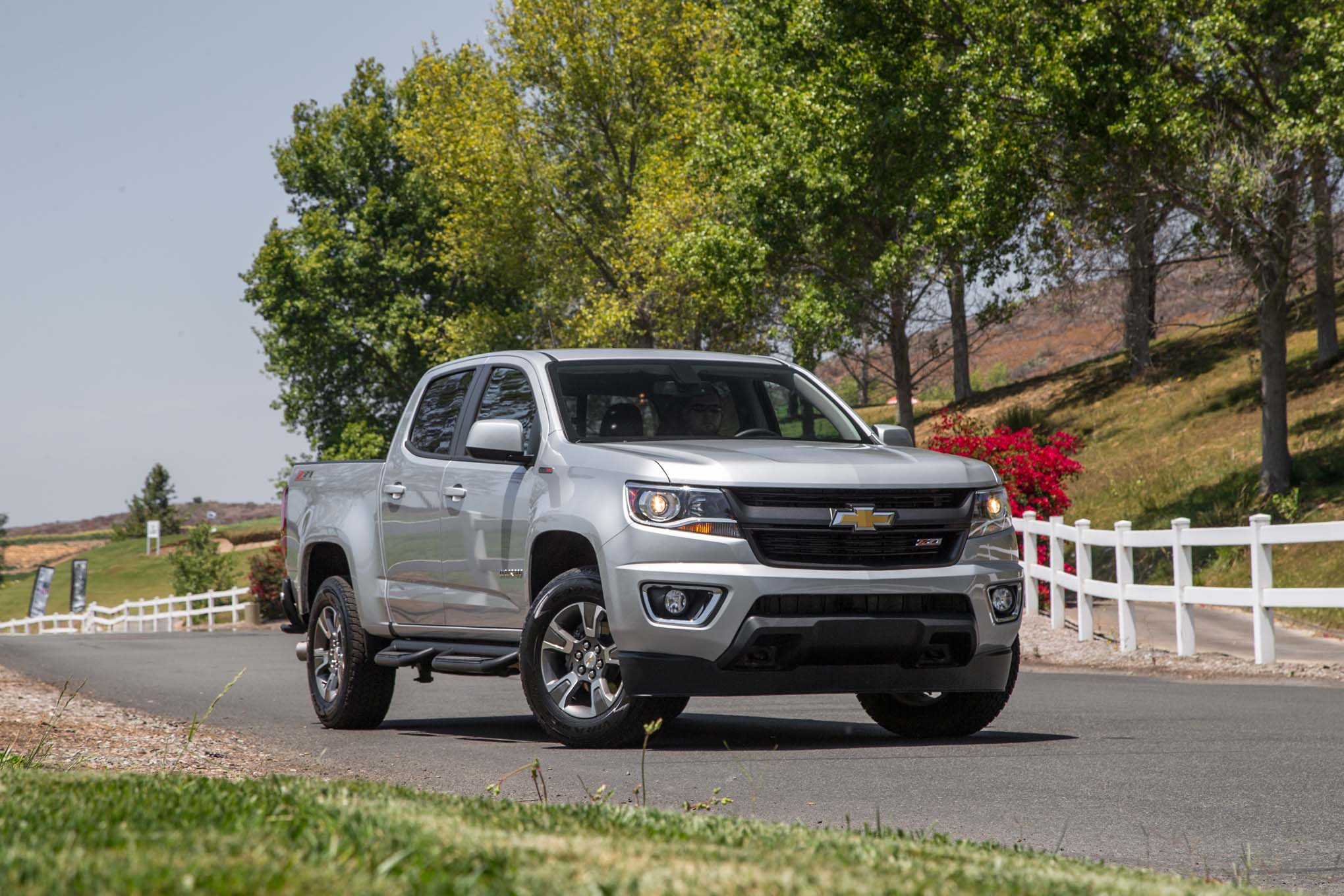 2017 Chevrolet Colorado Gets Updated V-6, Eight-Speed Auto ...