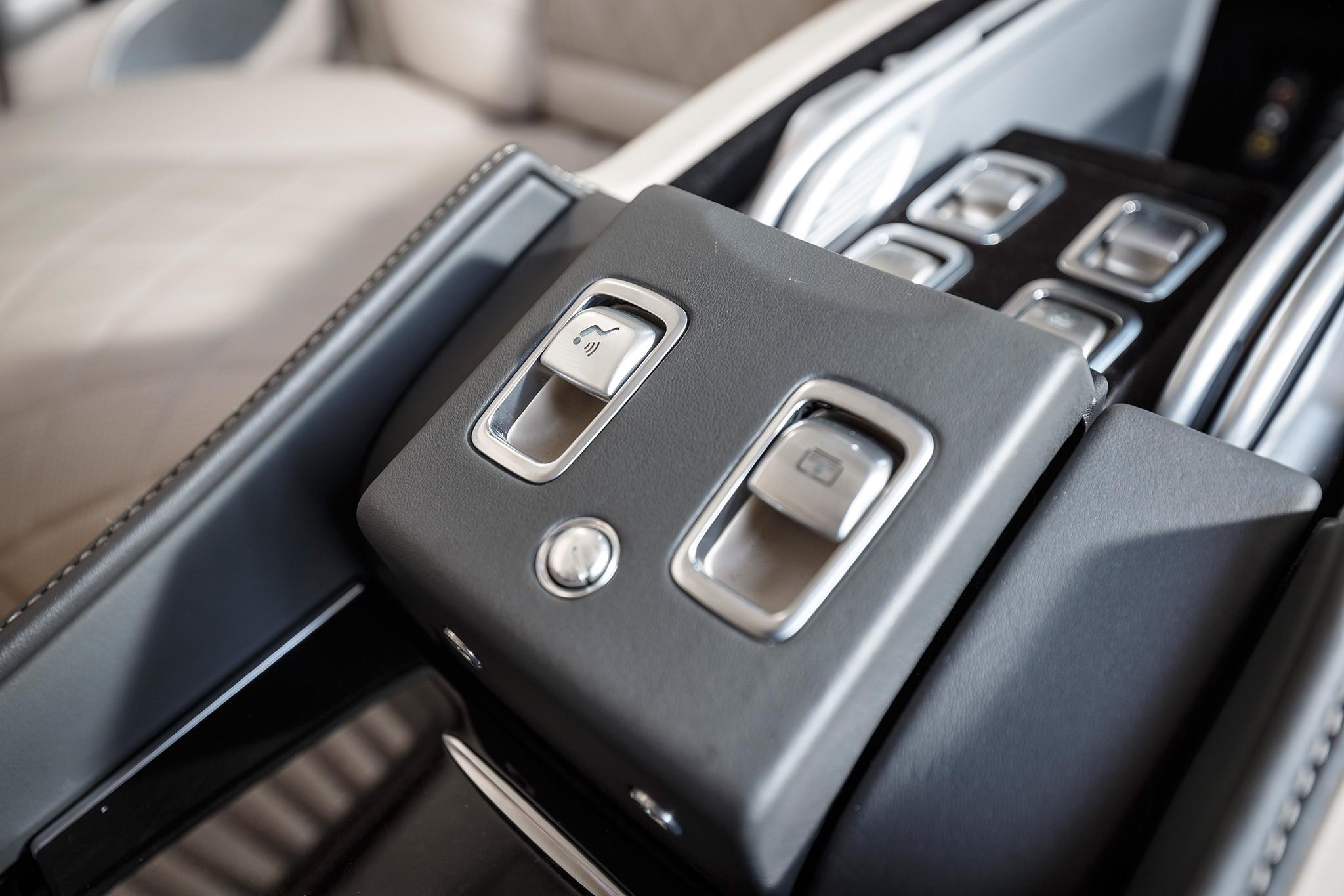 Mercedes Maybach Pullman Dubai Backseat Ride Automobile Magazine