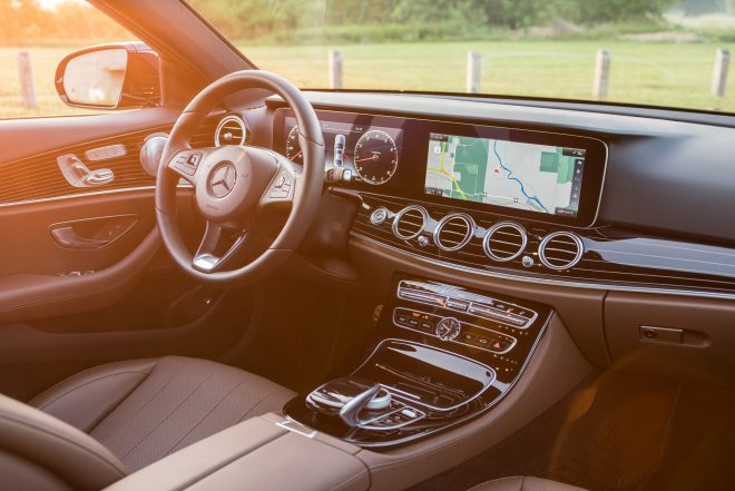 2017 Mercedes Benz E300 4MATIC cabin 03