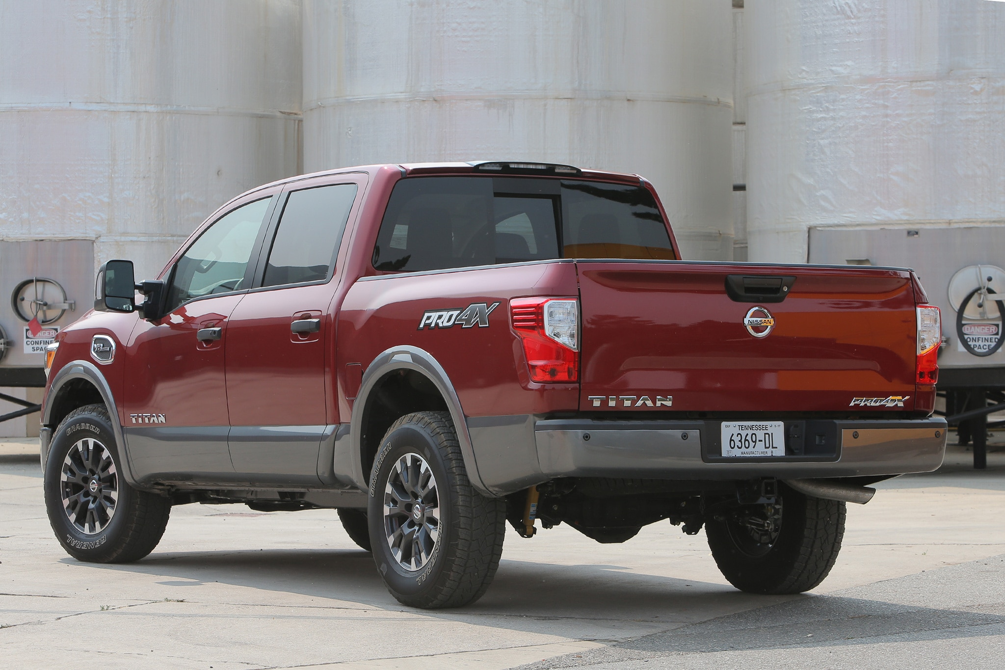 2017 Nissan Titan V-8 Crew Cab First Drive Road Test and