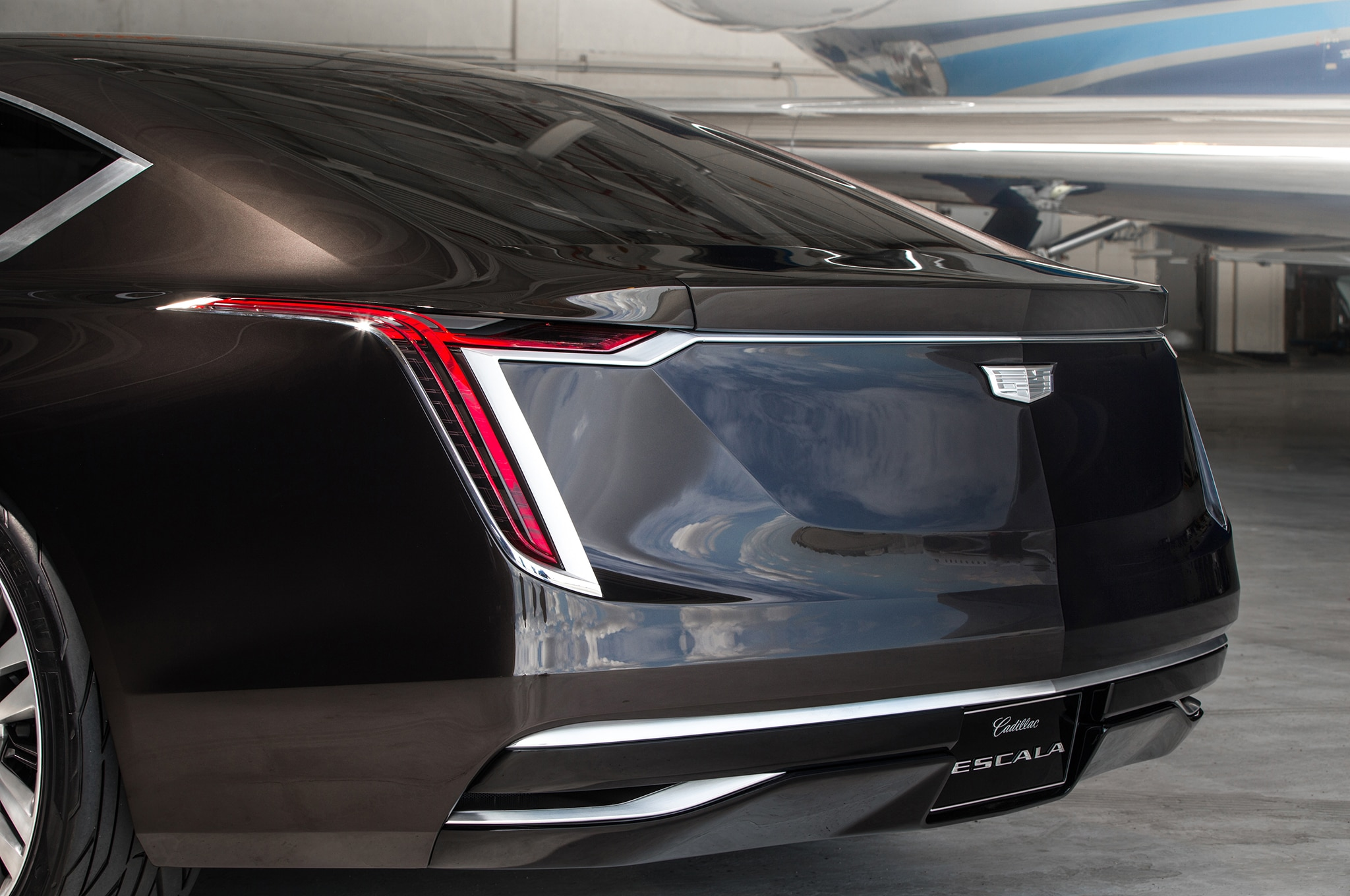 cadillac escalade concept escala rear esv expect automobile depending starting late early between