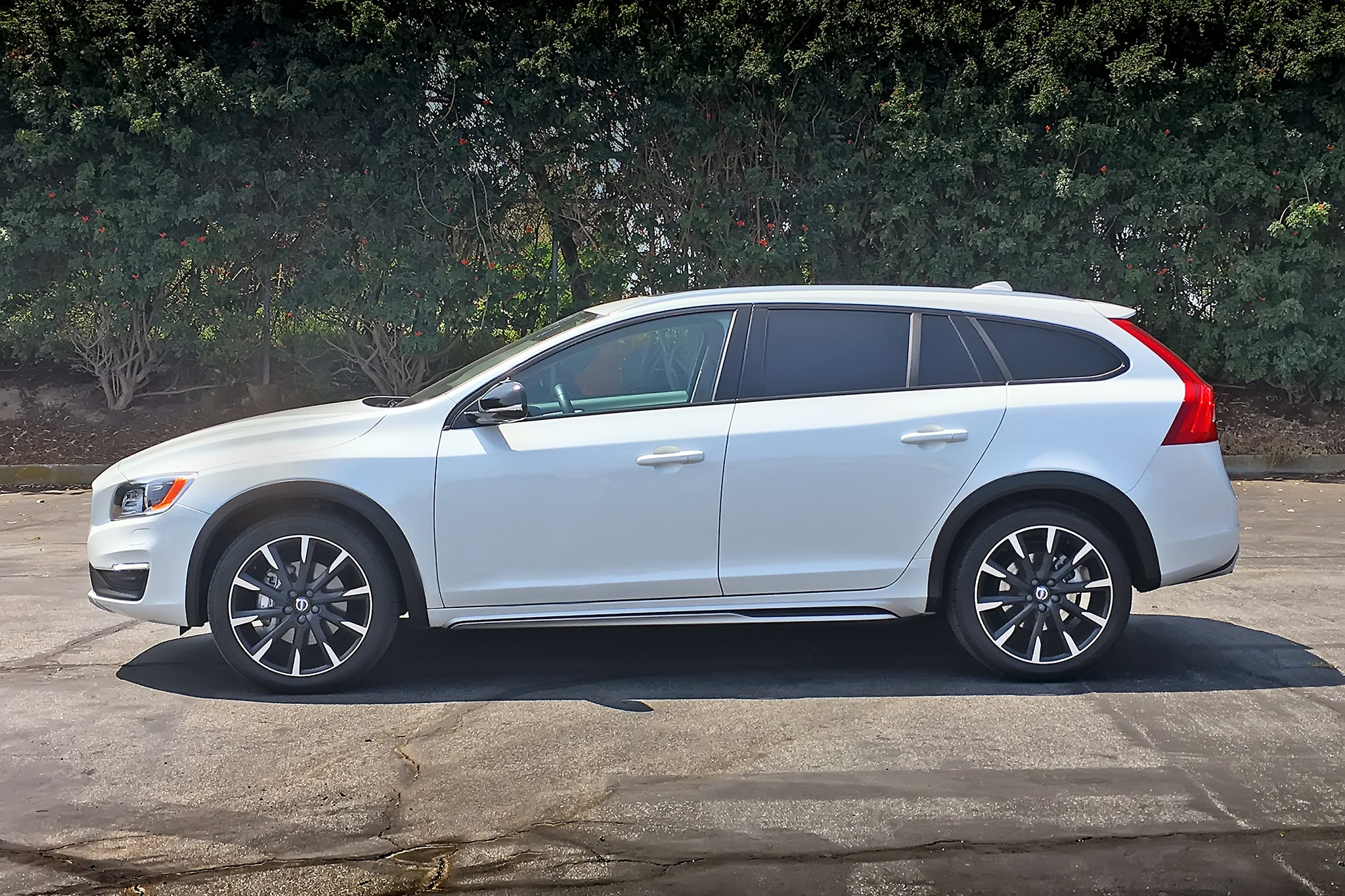 One Week With: 2016 Volvo V60 T5 AWD Cross Country ...