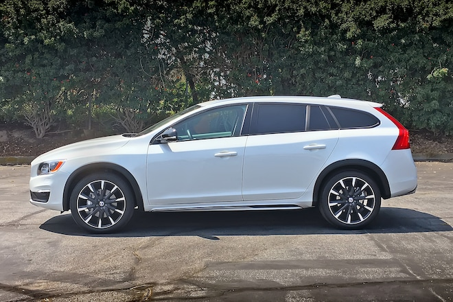 2016 Volvo V60 T5 Awd Cross Country Platinum Side Profile