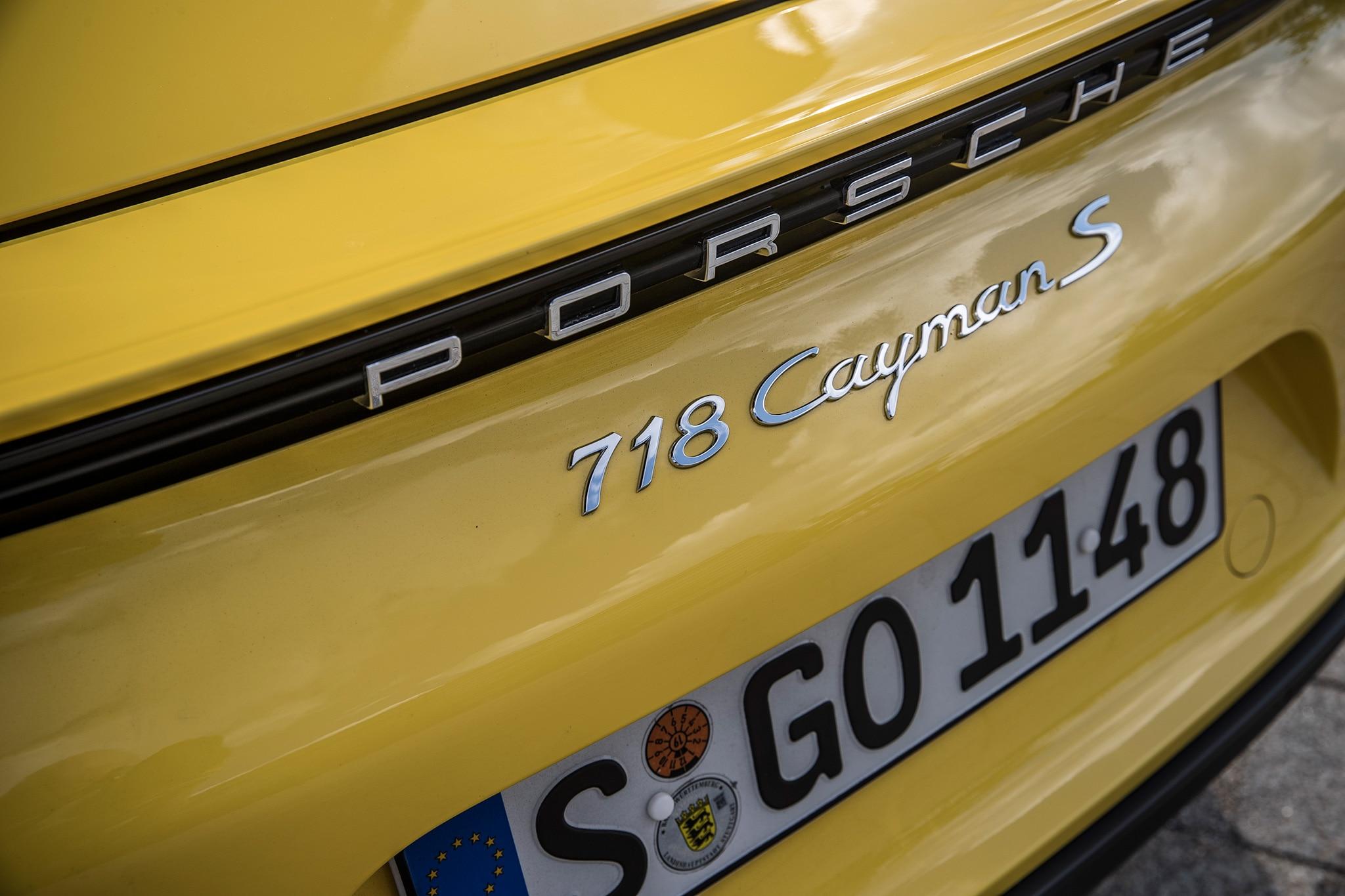 2017 Porsche Cayman S Badge
