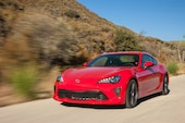 2017 Toyota 86 front three quarter in motion 06