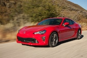 2017 Toyota 86 front three quarter in motion 07