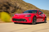 2017 Toyota 86 front three quarter in motion 08