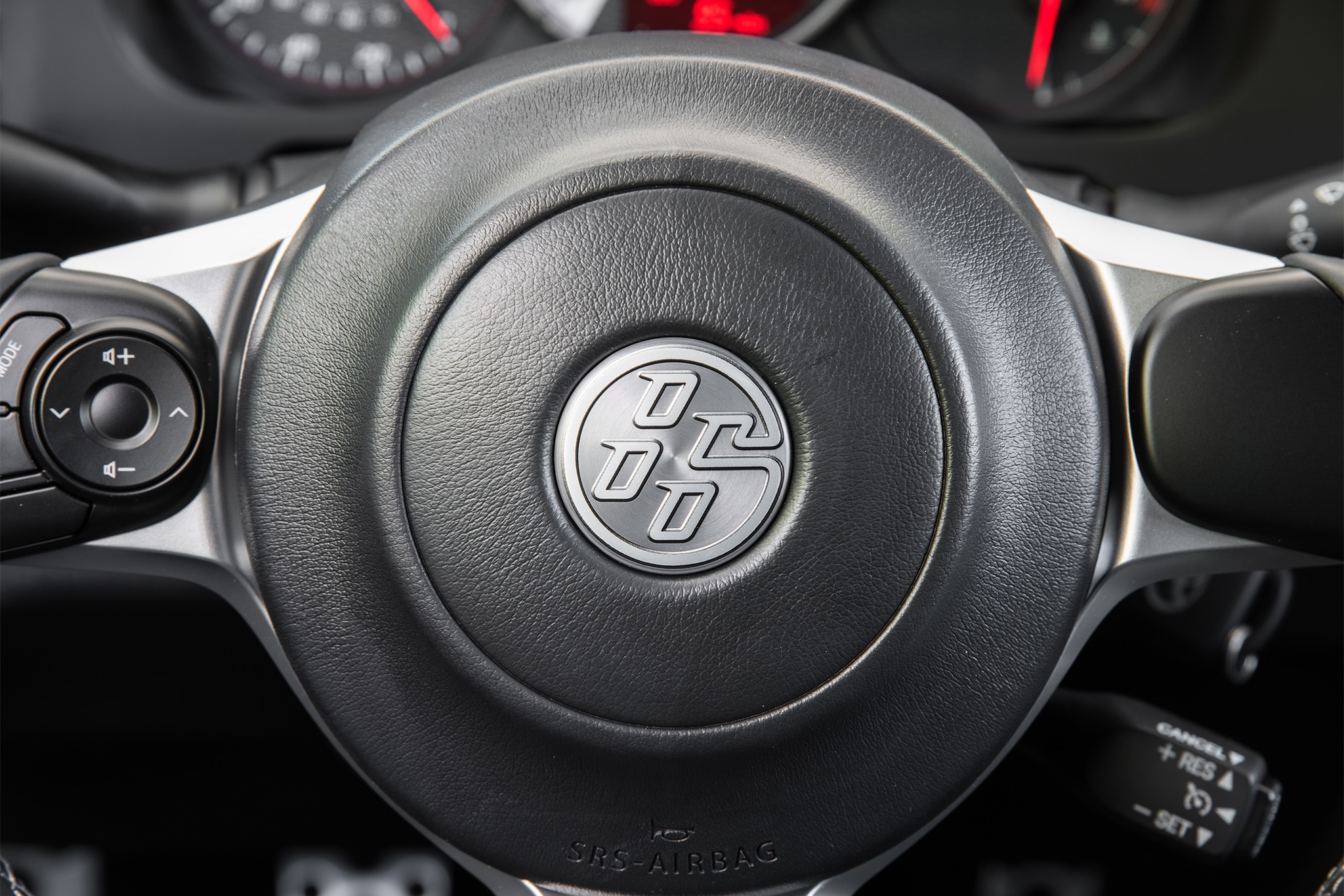 2017 Toyota 86 interior badge