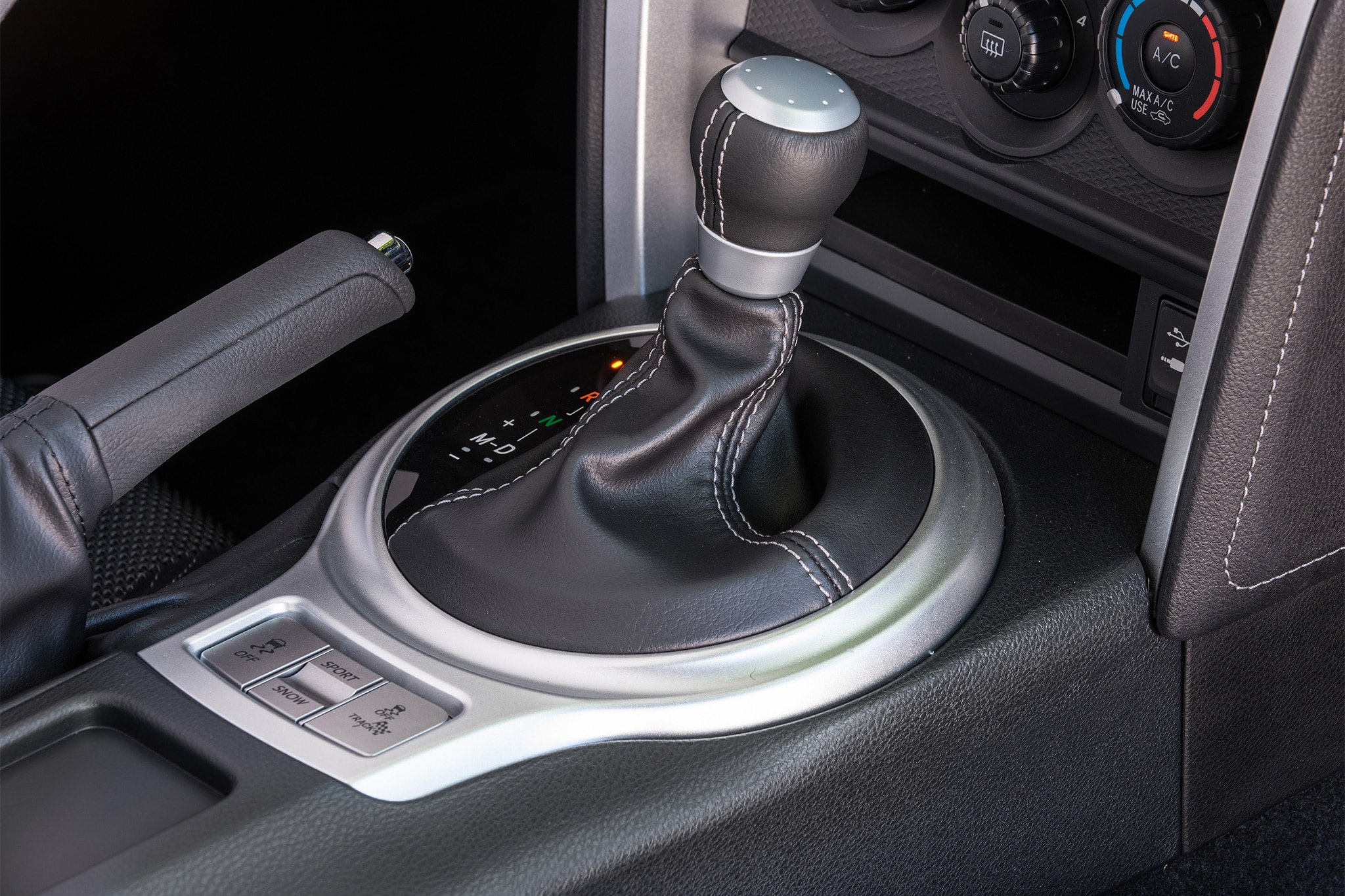 2017 Toyota 86 shifter 02