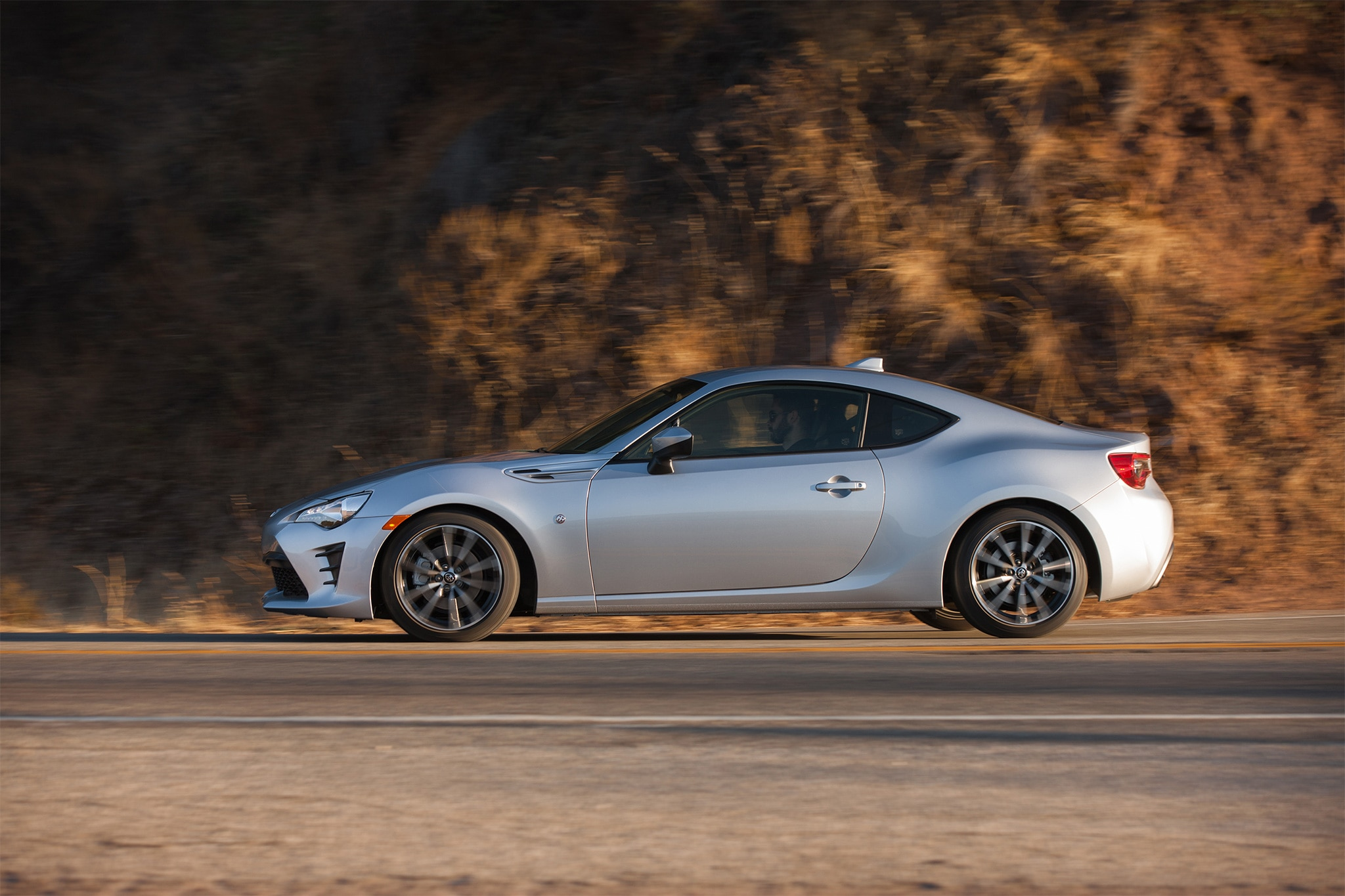 2017 Toyota 86 side profile in motion