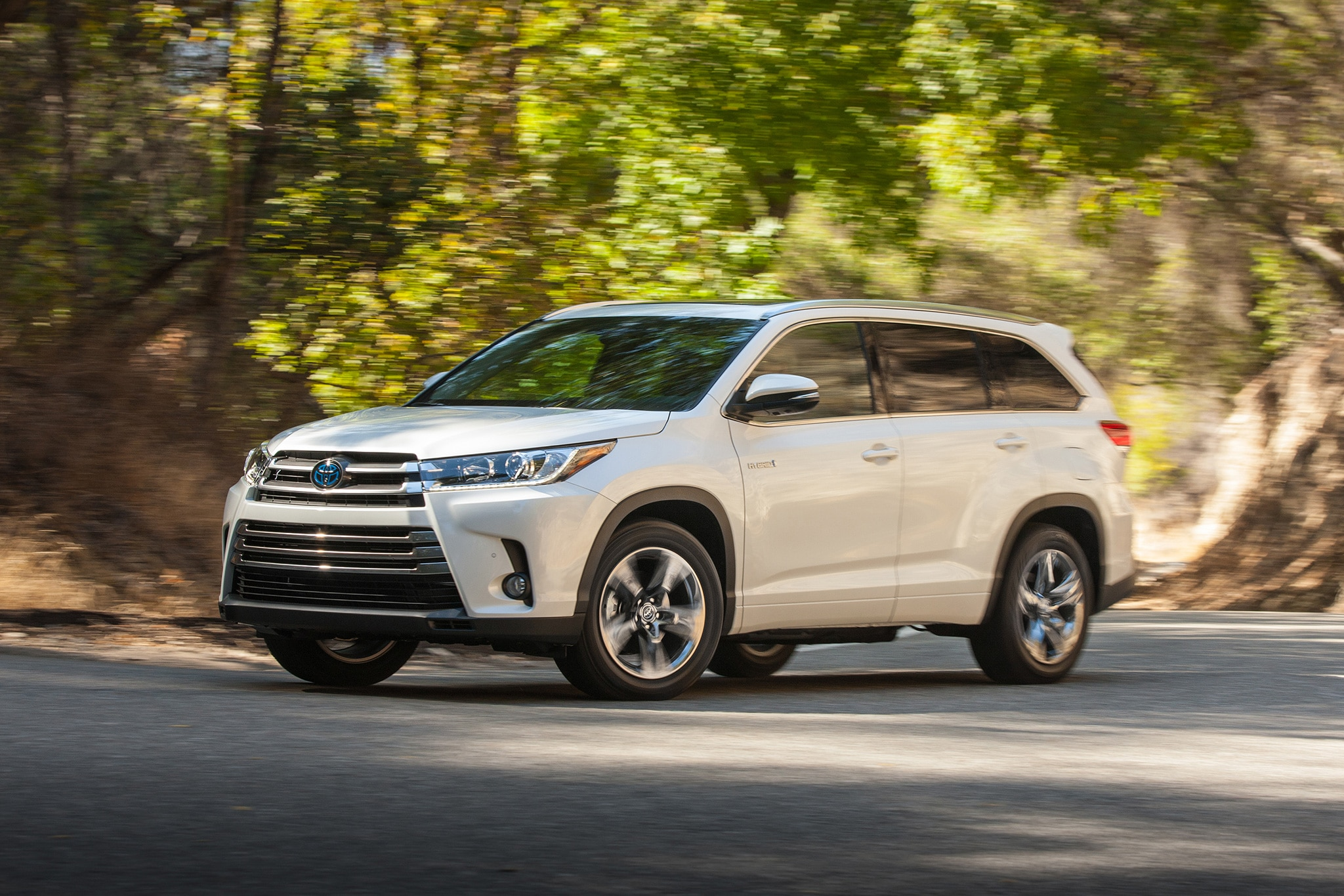 2017 Toyota Highlander Receives Updates for the High Road