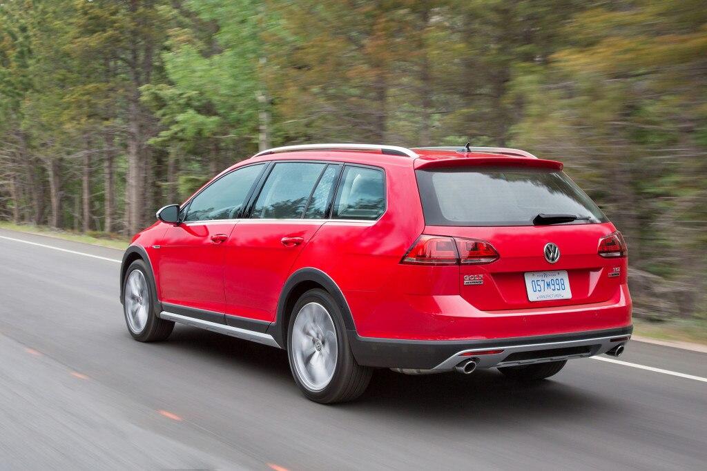 2017-Volkswagen-Golf-Alltrack-rear-three-quarter-in-motion-01-1