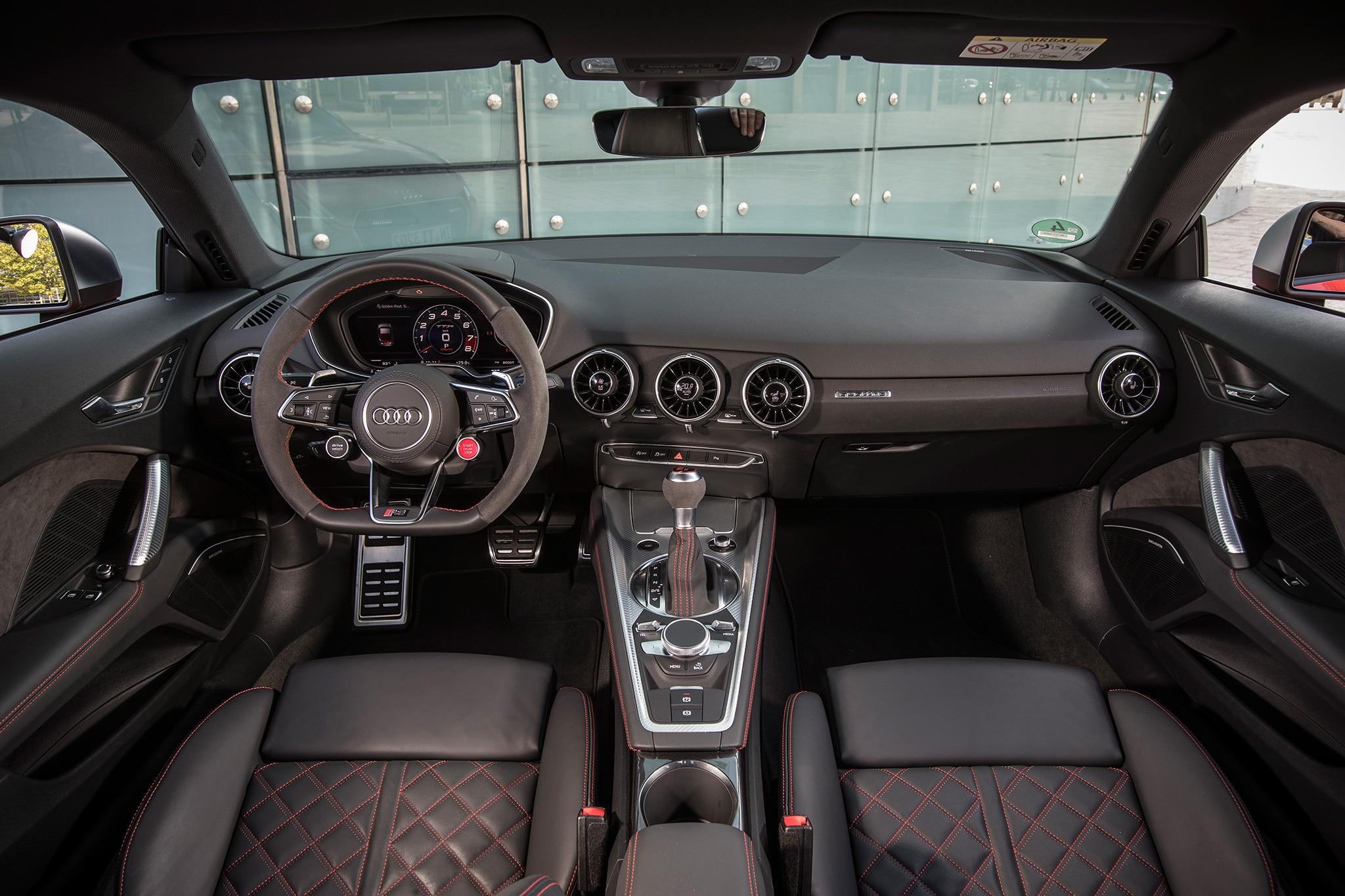 2018 Audi TT RS Cabin 02