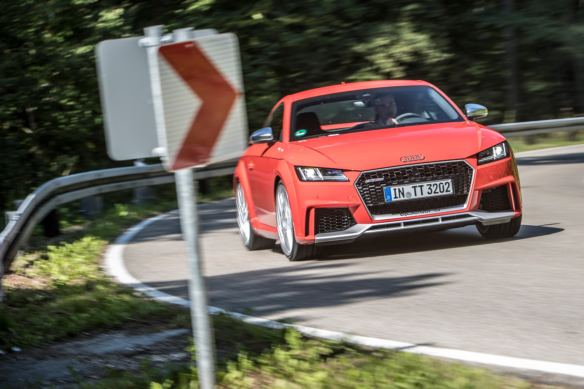 2018 Audi TT RS Front View In Motion 01