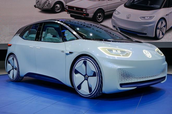 Volkswagen ID Concept Paris Front Three Quarters 2